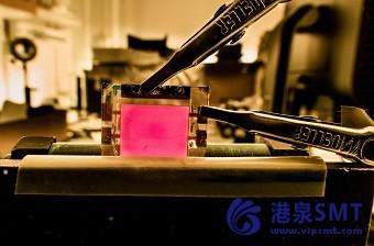 钙钛矿基发光二极管的记录效率