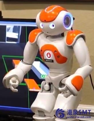 机器人引导的视频游戏促进老年人之间的同伴互动